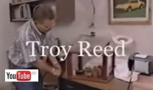 7785c77a066 Troy Reed - Primeiro carro elétrico movido a energia infinita
